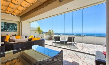 Modern Contemporary style Penthouse apartment with Sea Views for sale in Los Monteros, Marbella 1587