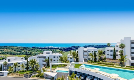 Contemporary, Modern Apartments with Golf- and Sea Views located for sale in Estepona, Costa del Sol 1757