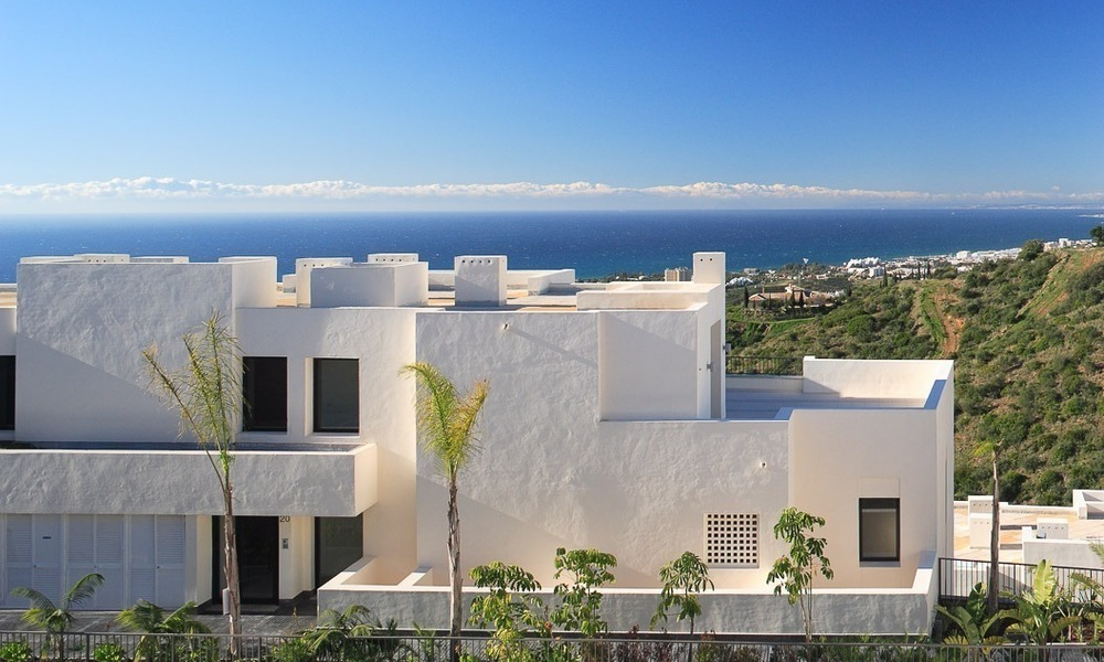 Bargain Modern, Luxury Apartment for Sale in Marbella with garden and Beautiful Sea and Coastal Views 1847