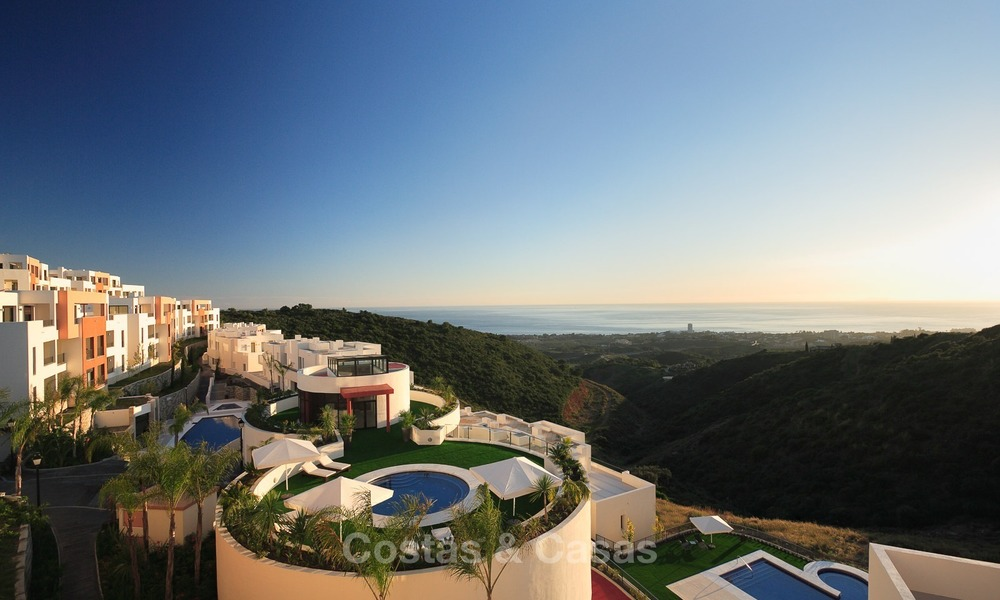 Bargain Modern, Luxury Apartment for Sale in Marbella with garden and Beautiful Sea and Coastal Views 1850