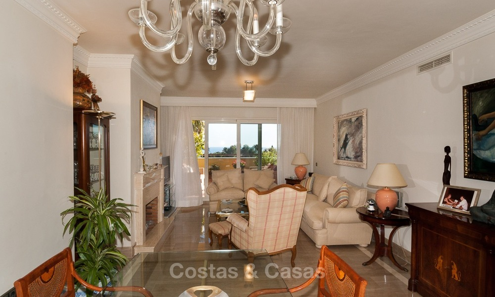 Luxury apartment for sale in Sierra Blanca, on The Golden Mile, Marbella 1939