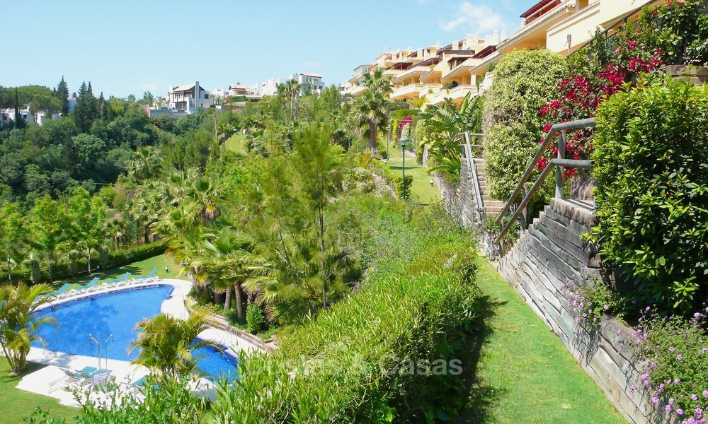 Luxury apartment for sale in Sierra Blanca, on The Golden Mile, Marbella 1955