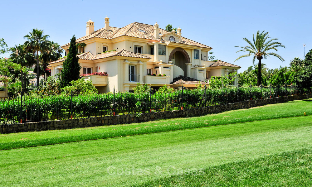 Frontline golf, modern renovated luxury apartment for sale in Nueva Andalucia - Marbella 2900