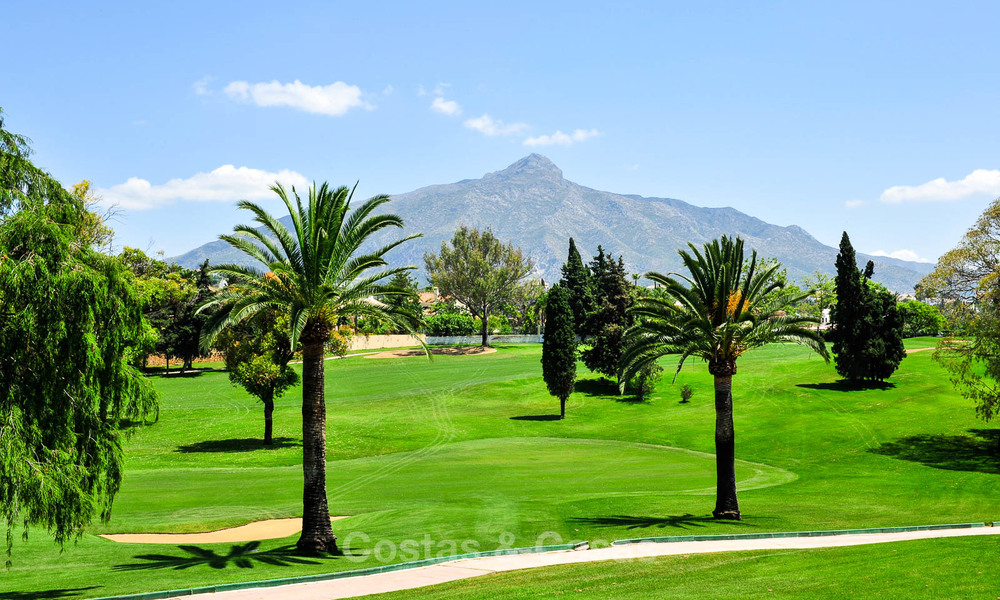 Frontline golf, modern renovated luxury apartment for sale in Nueva Andalucia - Marbella 2899
