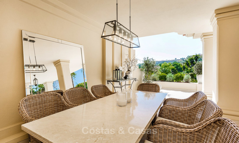 Frontline golf, modern renovated luxury apartment for sale in Nueva Andalucia - Marbella 2922