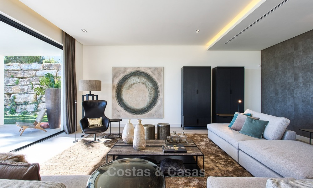 Ready to move in Modern Contemporary Villa near Golf with Sea Views for sale in Benahavis, Marbella 2521
