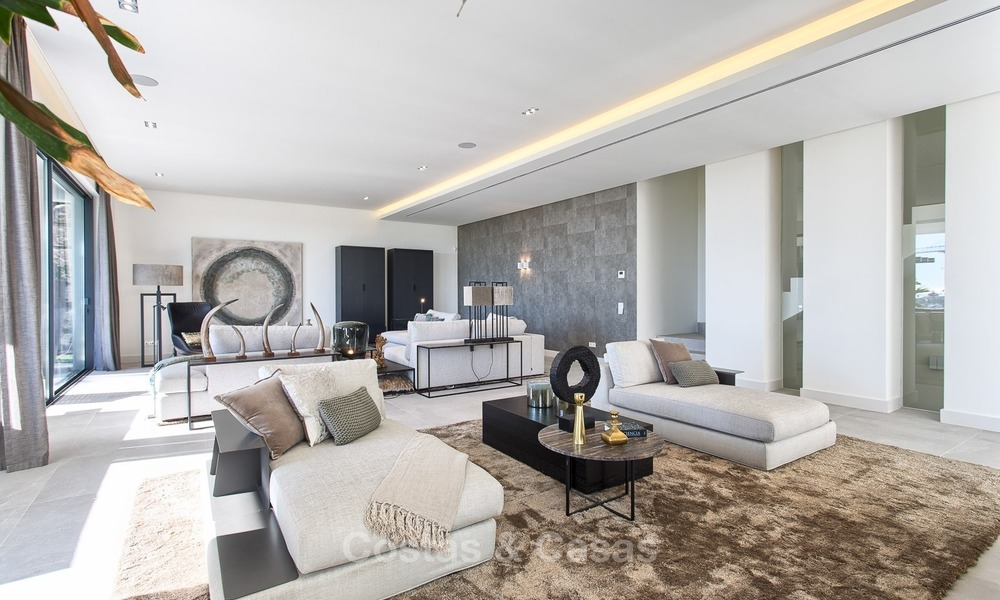 Ready to move in Modern Contemporary Villa near Golf with Sea Views for sale in Benahavis, Marbella 2524