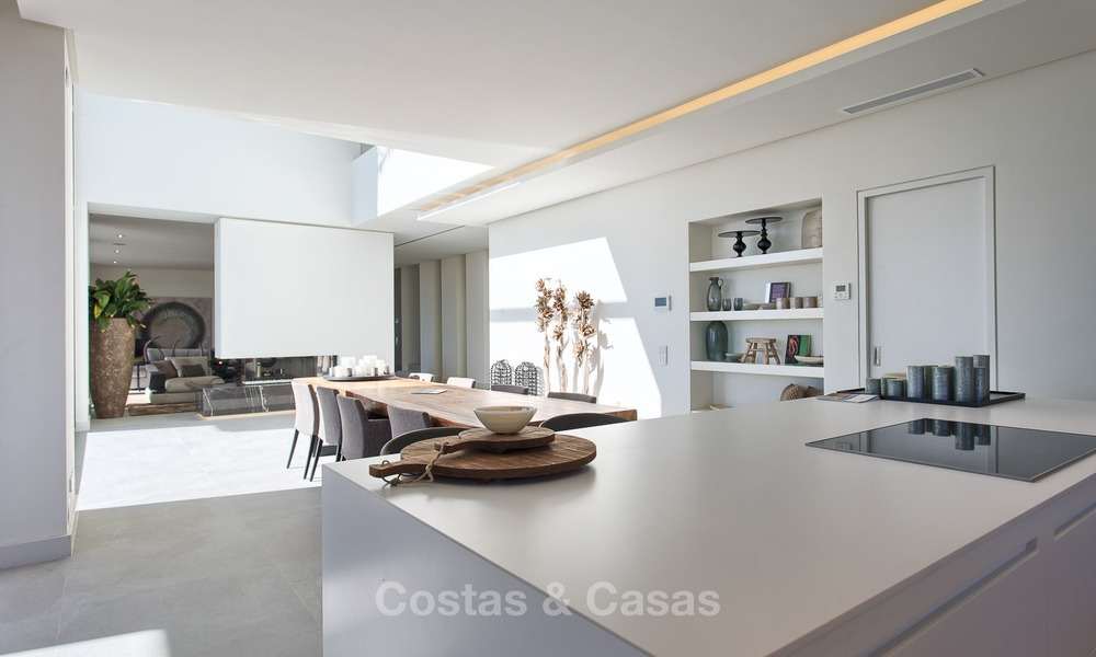 Ready to move in Modern Contemporary Villa near Golf with Sea Views for sale in Benahavis, Marbella 2527