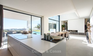 Ready to move in Modern Contemporary Villa near Golf with Sea Views for sale in Benahavis, Marbella 2528