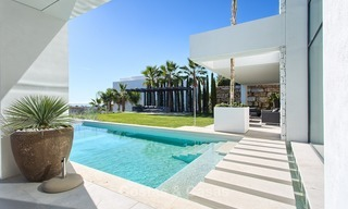 Ready to move in Modern Contemporary Villa near Golf with Sea Views for sale in Benahavis, Marbella 2533