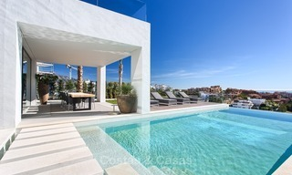 Ready to move in Modern Contemporary Villa near Golf with Sea Views for sale in Benahavis, Marbella 2534