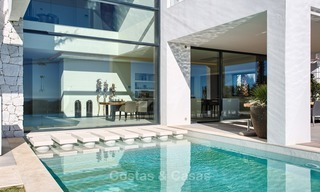 Ready to move in Modern Contemporary Villa near Golf with Sea Views for sale in Benahavis, Marbella 2535