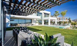Ready to move in Modern Contemporary Villa near Golf with Sea Views for sale in Benahavis, Marbella 2538