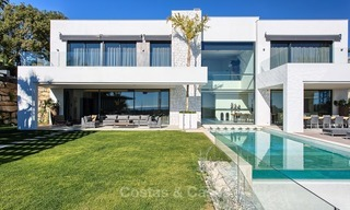Ready to move in Modern Contemporary Villa near Golf with Sea Views for sale in Benahavis, Marbella 2539