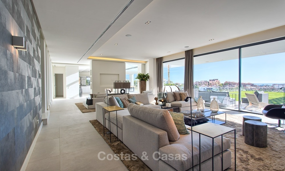 Ready to move in Modern Contemporary Villa near Golf with Sea Views for sale in Benahavis, Marbella 2543