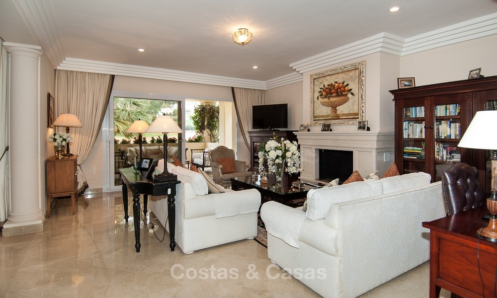 Frontline golf, luxurious Apartment for sale in Nueva Andalucia - Marbella 2577