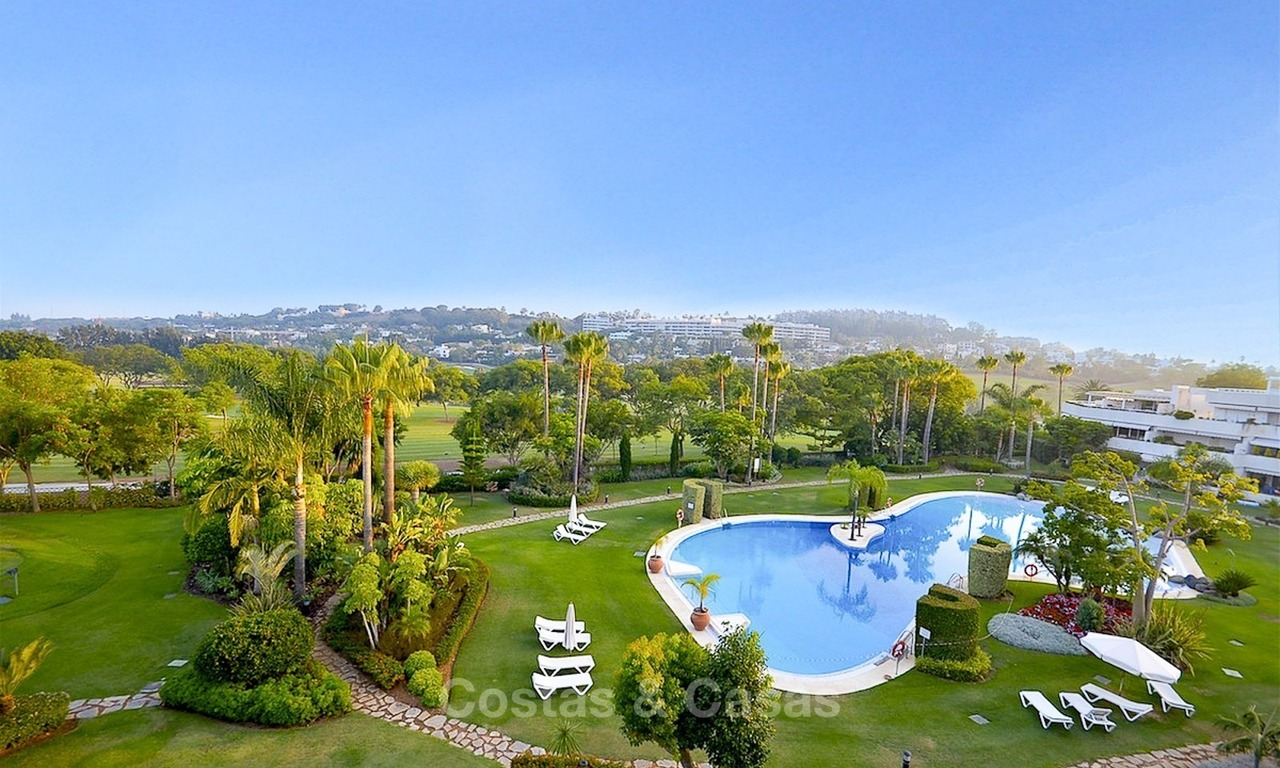 Frontline golf, modern, spacious, luxury penthouse for sale in Nueva Andalucia - Marbella 2544