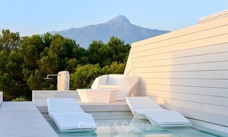 Frontline golf, modern, spacious, luxury penthouse for sale in Nueva Andalucia - Marbella 2547