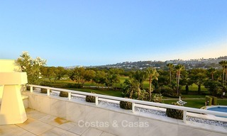 Frontline golf, modern, spacious, luxury penthouse for sale in Nueva Andalucia - Marbella 2549