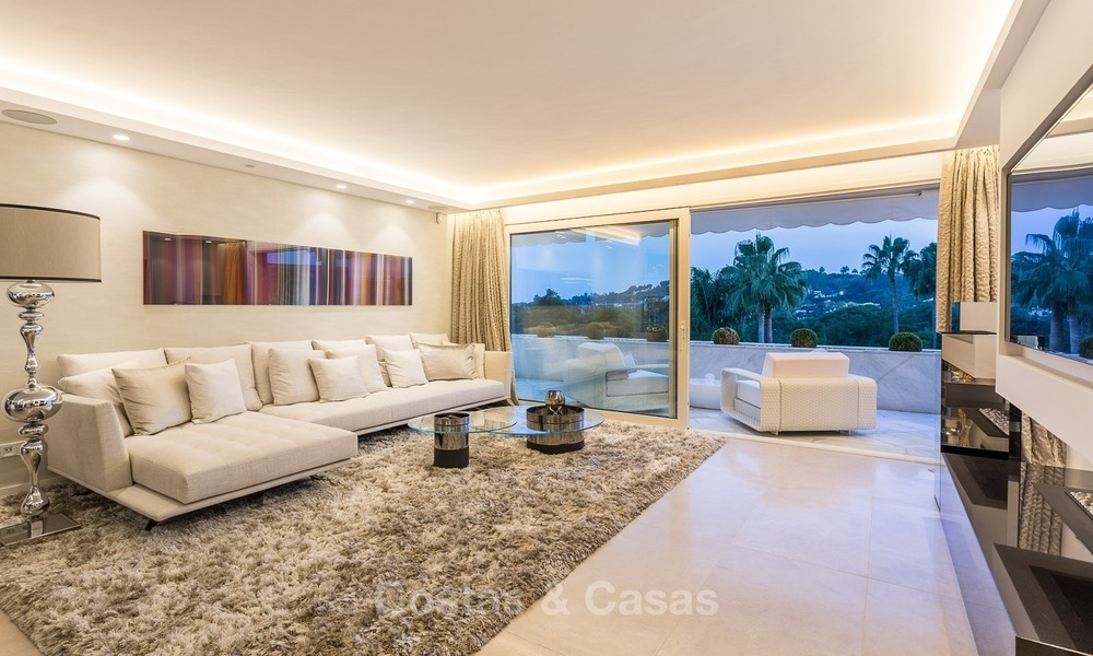 Frontline golf, modern, spacious, luxury penthouse for sale in Nueva Andalucia - Marbella 2564