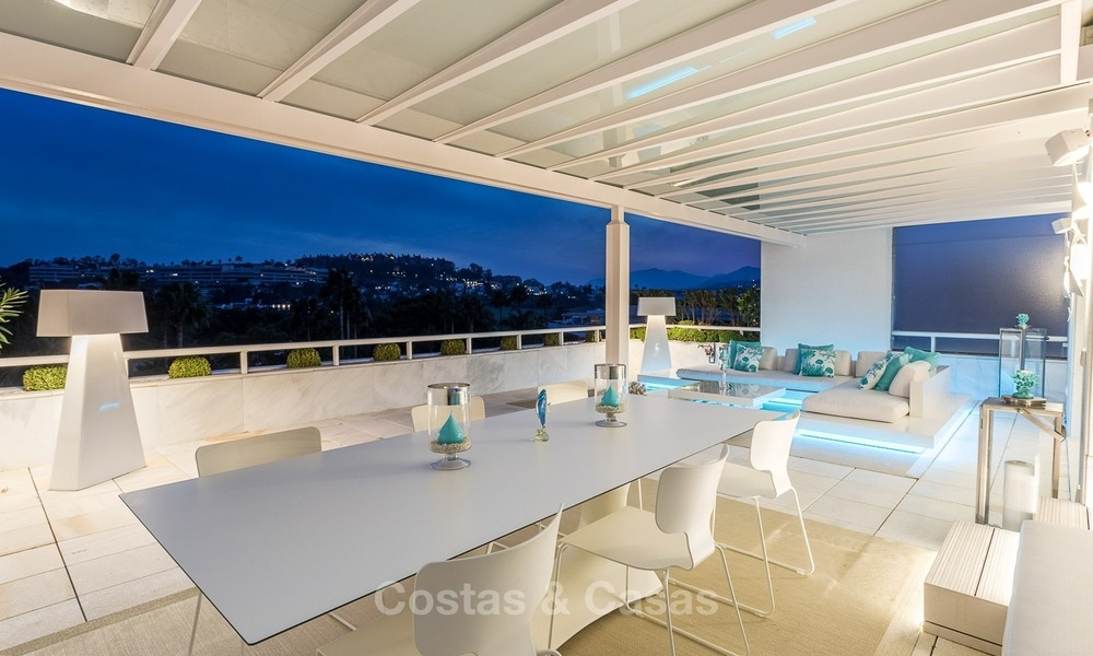 Frontline golf, modern, spacious, luxury penthouse for sale in Nueva Andalucia - Marbella 2572