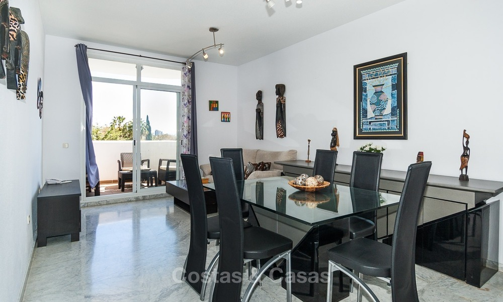 Apartment for sale with sea view on the Golden Mile at walking distance from the beach and Marbella center 2629