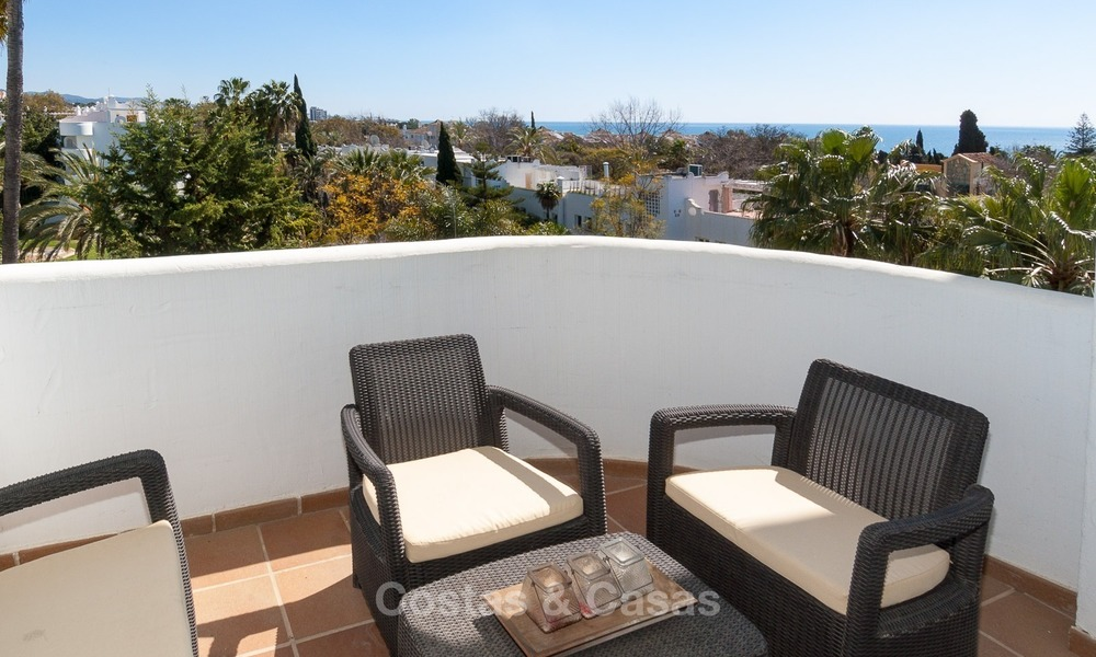 Apartment for sale with sea view on the Golden Mile at walking distance from the beach and Marbella center 2630