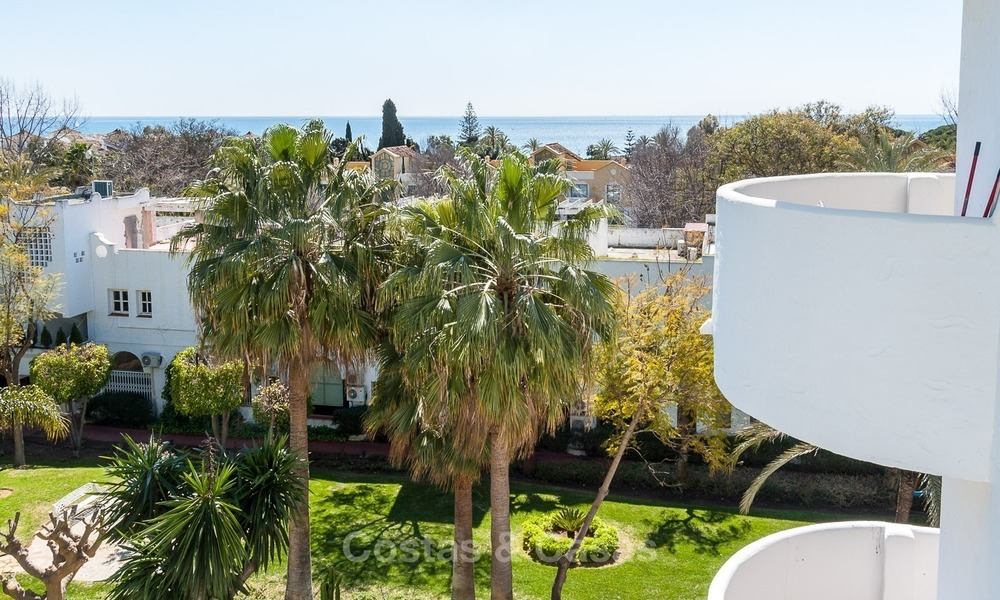 Apartment for sale with sea view on the Golden Mile at walking distance from the beach and Marbella center 2632