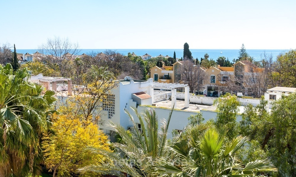 Apartment for sale with sea view on the Golden Mile at walking distance from the beach and Marbella center 2639