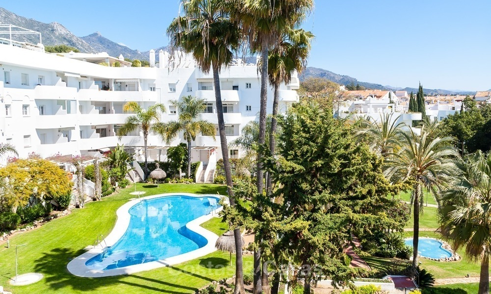 Apartment for sale with sea view on the Golden Mile at walking distance from the beach and Marbella center 2644