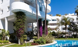 Apartment for sale with sea view on the Golden Mile at walking distance from the beach and Marbella center 2645