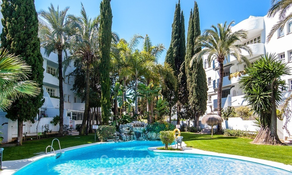 Apartment for sale with sea view on the Golden Mile at walking distance from the beach and Marbella center 2651