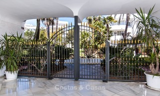 Apartment for sale with sea view on the Golden Mile at walking distance from the beach and Marbella center 2654