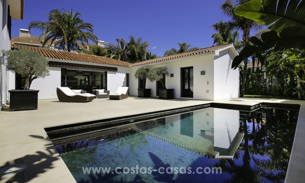 Renovated villa for sale in a Contemporary style, near the beach in Los Monteros, Marbella 2663