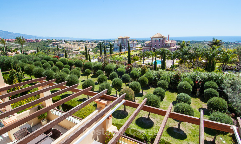 Luxury Penthouse Apartment for Sale in a Five Star Golf Resort on the New Golden Mile in Benahavis - Marbella 3083