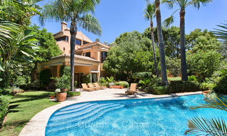 Top Quality, Classical style Villa for sale on The Golden Mile, Marbella 3142