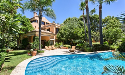 Top Quality, Classical style Villa for sale on The Golden Mile, Marbella. Reduced in price! 3142