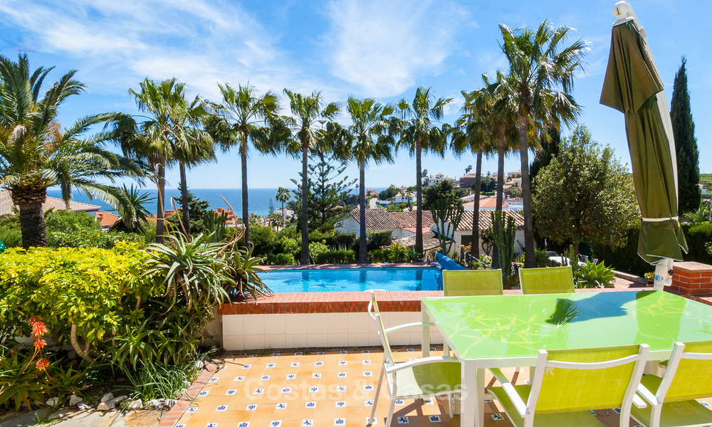 Villa to Be Renovated For Sale in Estepona, Costa del Sol, With Stunning Sea Views and Near The Beach 3187