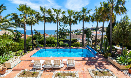 Villa to Be Renovated For Sale in Estepona, Costa del Sol, With Stunning Sea Views and Near The Beach 3188