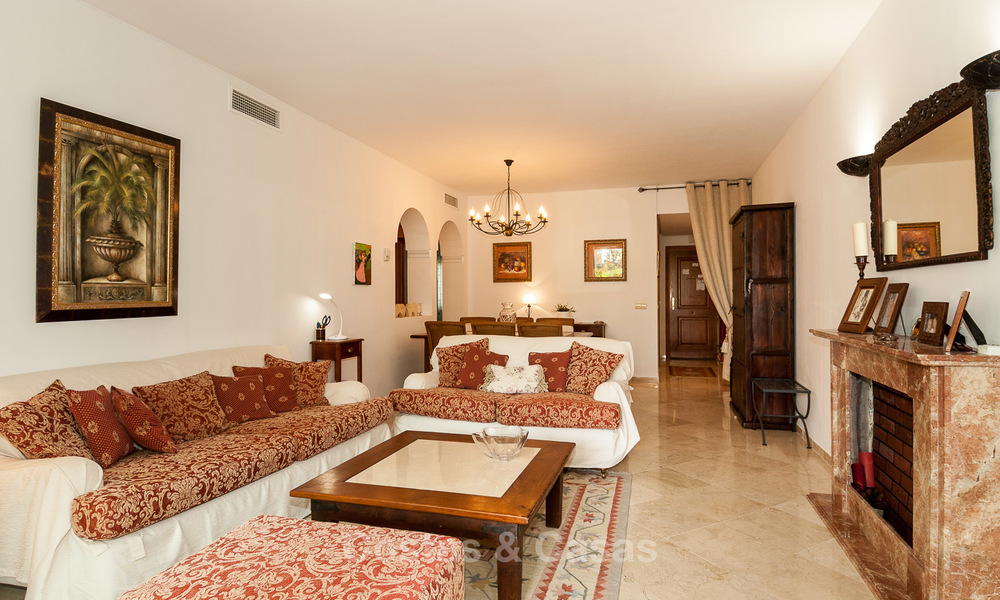 Cosy, Comfortable Apartment For Sale, in Costalista, Beach Side of the New Golden Mile, Between Marbella and Estepona 3196