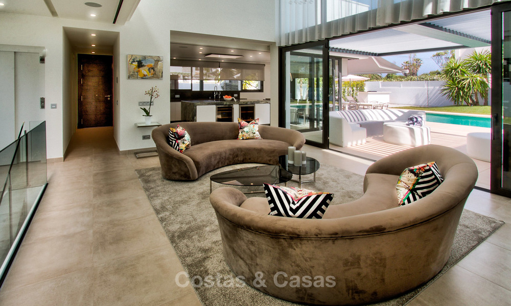 Contemporary, Newly Built Beachside Villa for Sale in Puerto Banus, Marbella 3438
