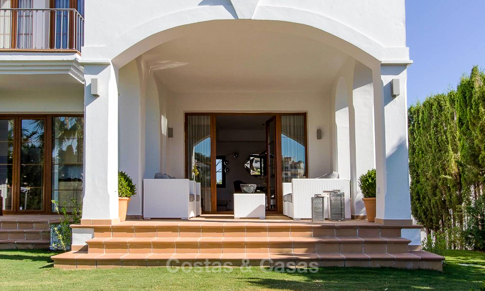 Ready to move in new villa for sale, first line golf in a gated golf resort, New Golden Mile, Marbella - Estepona 3493