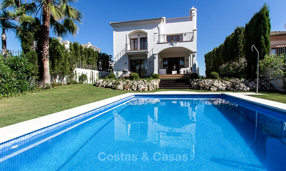 Ready to move in new villa for sale, first line golf in a gated golf resort, New Golden Mile, Marbella - Estepona 3503