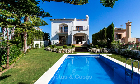 Ready to move in new villa for sale, first line golf in a gated golf resort, New Golden Mile, Marbella - Estepona 3514