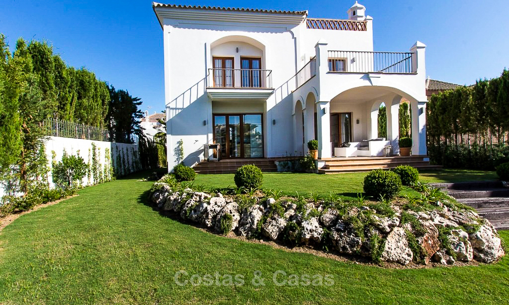 Ready to move in new villa for sale, first line golf in a gated golf resort, New Golden Mile, Marbella - Estepona 3531