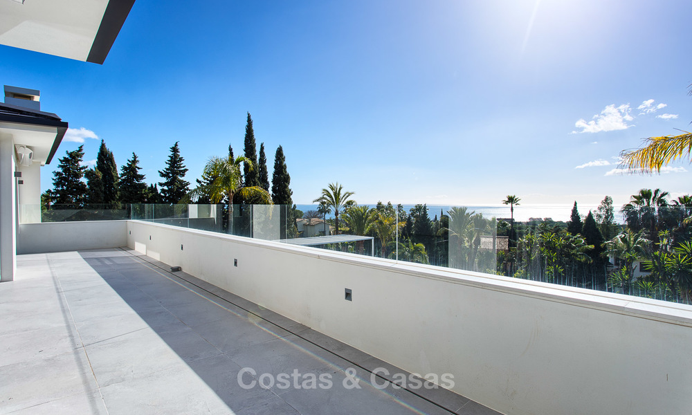 Attractive and spacious renovated luxury villa with majestic sea views for sale, Marbella East 3616