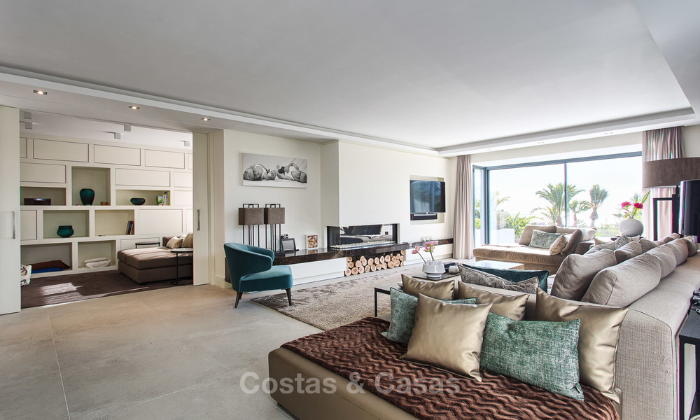 Attractive and spacious renovated luxury villa with majestic sea views for sale, Marbella East 3583