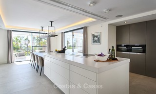 Attractive and spacious renovated luxury villa with majestic sea views for sale, Marbella East 3586