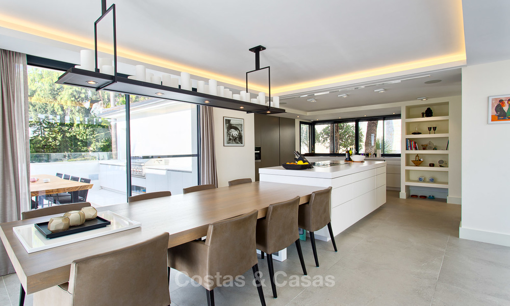 Attractive and spacious renovated luxury villa with majestic sea views for sale, Marbella East 3587