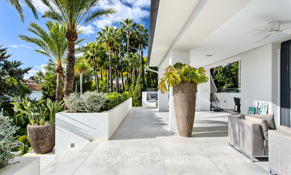 Attractive and spacious renovated luxury villa with majestic sea views for sale, Marbella East 3590